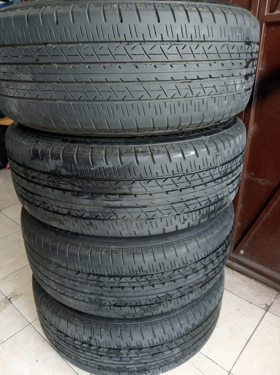 Veleg Racing  ADV-1 + BAN BS 215 55 Ring17 pcd5X114'3 Black