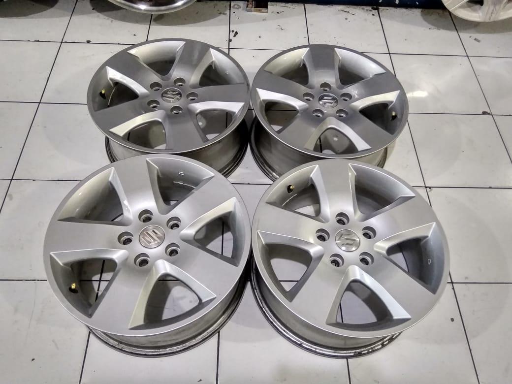 Velg STD Vitara R16 Pcd 5X114,3 Lebar Rata 6 Offset 45 Silver