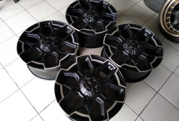 VELG SECOND REP TWIST r20x 8,5 et 40 h10x114/127 black/polish