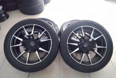 VELG  mobil racing R18 H5X114.3+BAN 235 50 R18