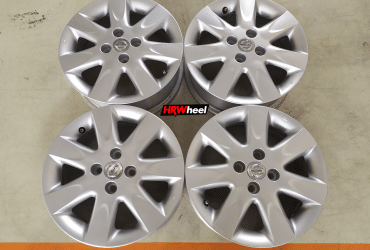 VELG BEKAS OEM NISSAN MARCH RING 15×5,5 H:4×100 ET:50 SILVER