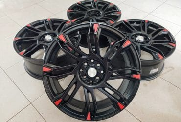 Velg bekas type sirius ring18x8 pcd8x100-114,3 et45 black red