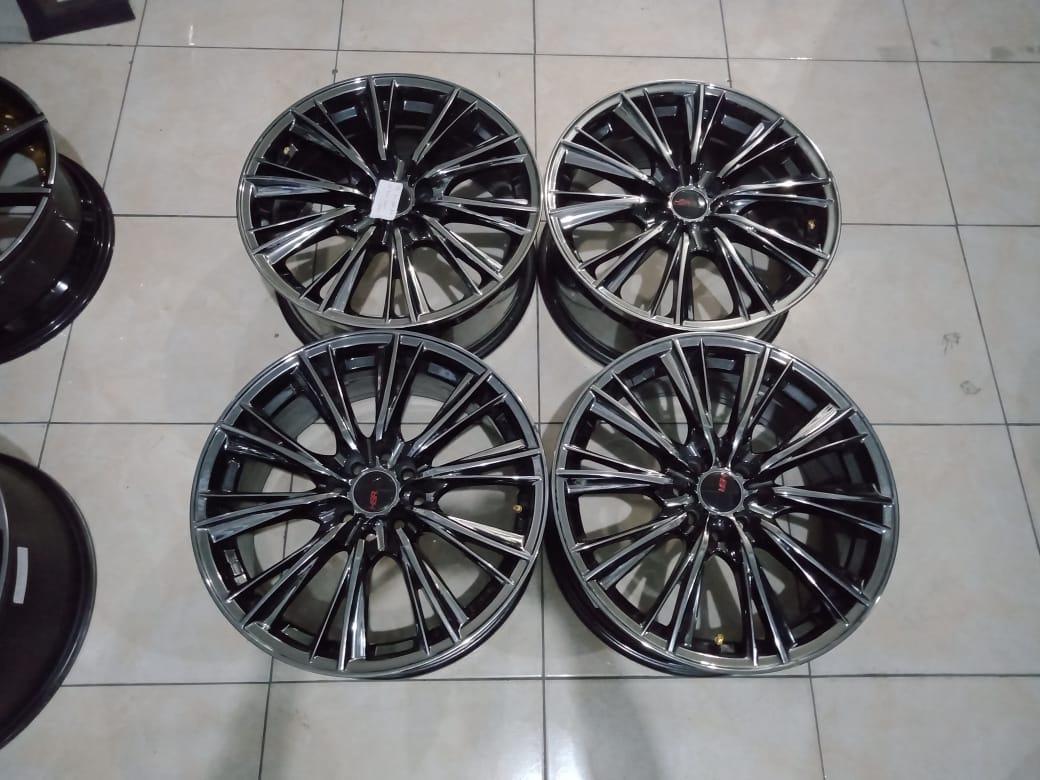 WX HSR R17X75 H8X100-114,3 ET45 BLACK CHROME