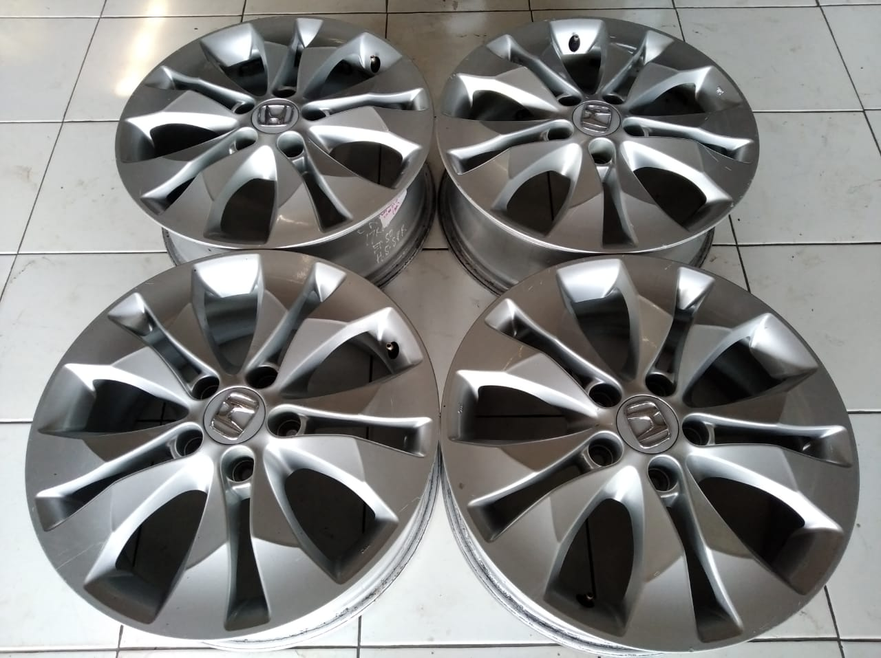 Velg second oem crv ring 17