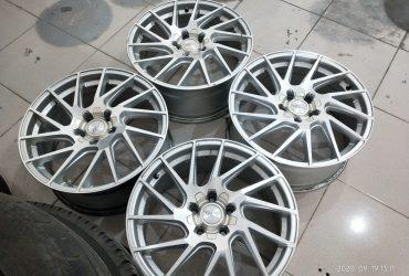 Velg racing cvt ring18x8 pcd5x114,3 et45 silver polish kondisi 90%