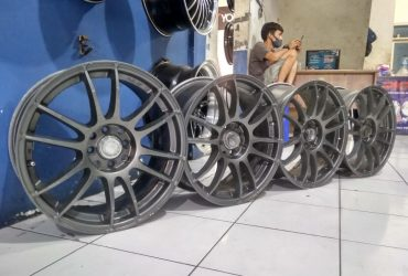 Velg Racing Second R17 Rays  Pcd 8×100/114,3  Lebar 7,5