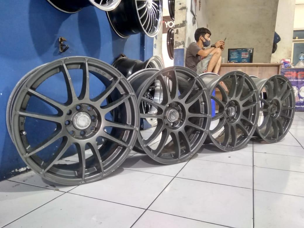 Velg Racing Second R17 Rays  Pcd 8×100/114,3  Lebar 7,5