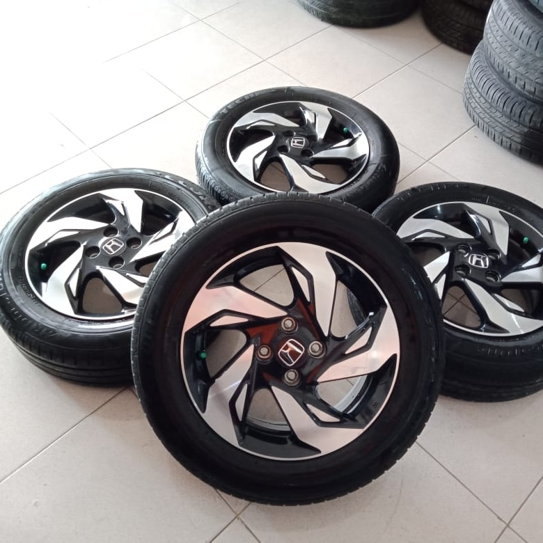 pelek original mobilio rs ring15 plush ban 185/65-15