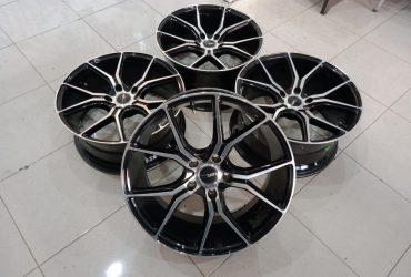 velg racing voodo (hsr) ring18x8 pcd5x114,3 et45 black polish