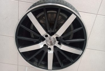 PELEK SECOND MURAH TYPE ENZO R17X7 HOLE8X100-114,3 ET42 BLACK POLISH