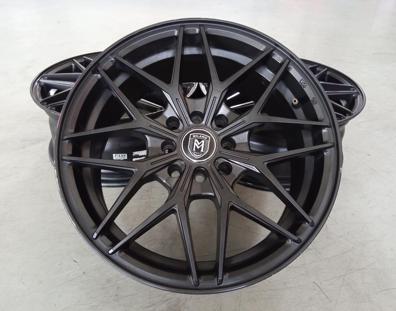 Velg Bekas Type Milano Ring 16×7 ET:40 H:8×100+114,3 Black