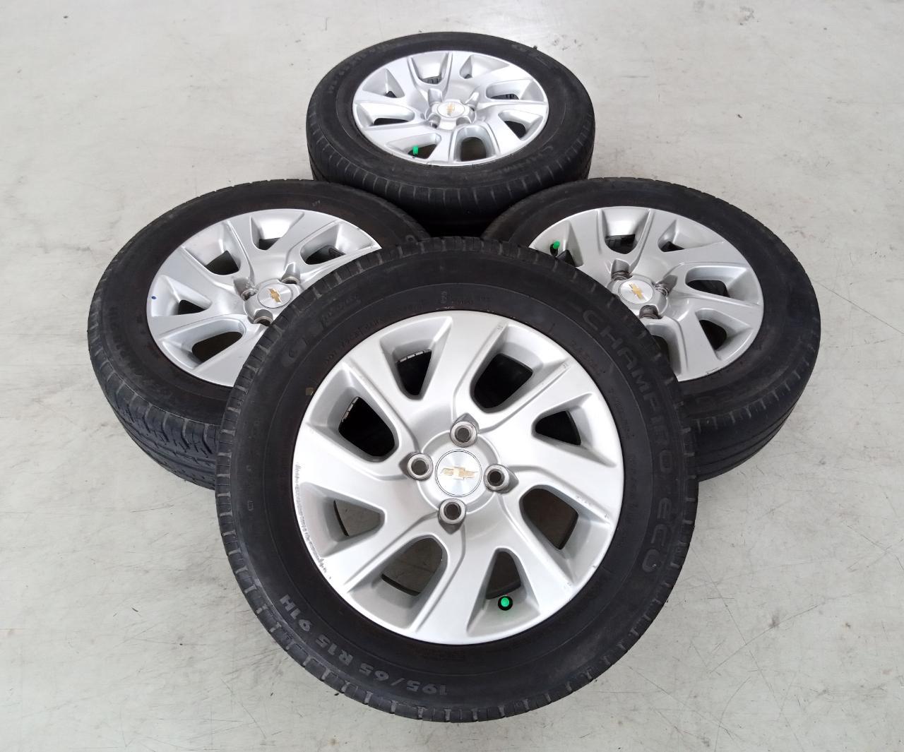 Velg Bekas Oem Chevrolet Spin Ring 15 + Ban GT Champiro 195/65/R15