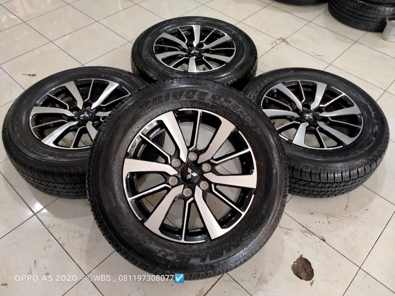 di jual velg mobil new pajero ring 18 + ban brigston 265-60 kondisi velg dan ban 95% thun 2019