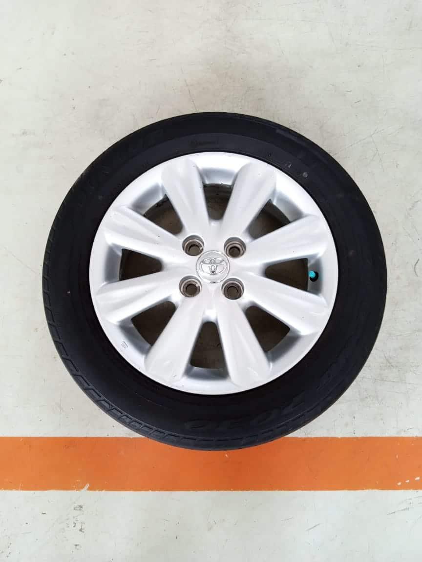 Velg Bekas Oem Toyota Yaris Palang 8 Ring 15 + Ban Dunlop 185/60/R15