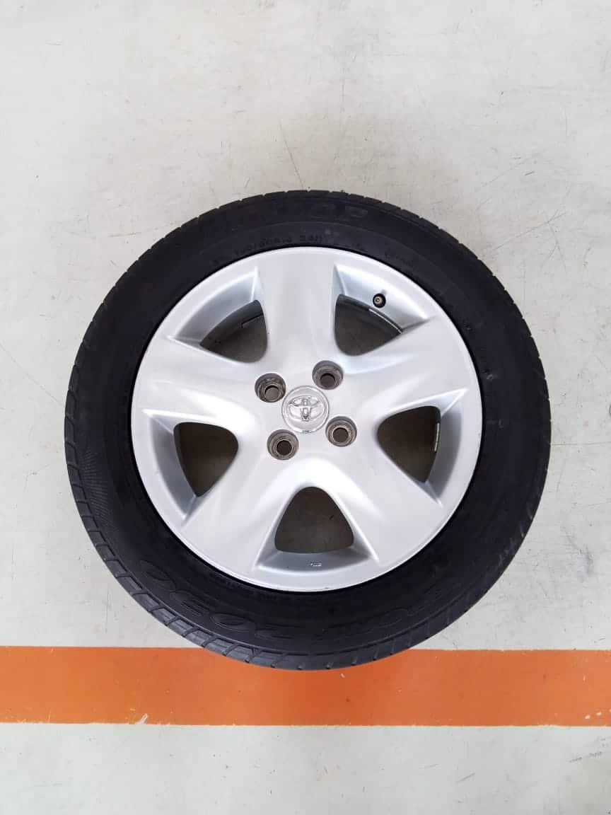 Velg Bekas Oem Toyota Yaris P5 Ring 15 + Ban Dunlop 185/60/R15