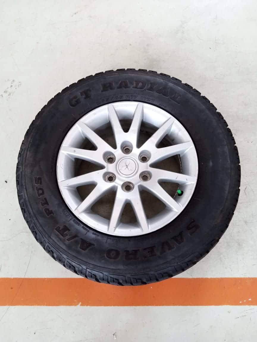 Velg Bekas Oem Mitsubishi Pajero Sport Ring 17 + Ban Bonus