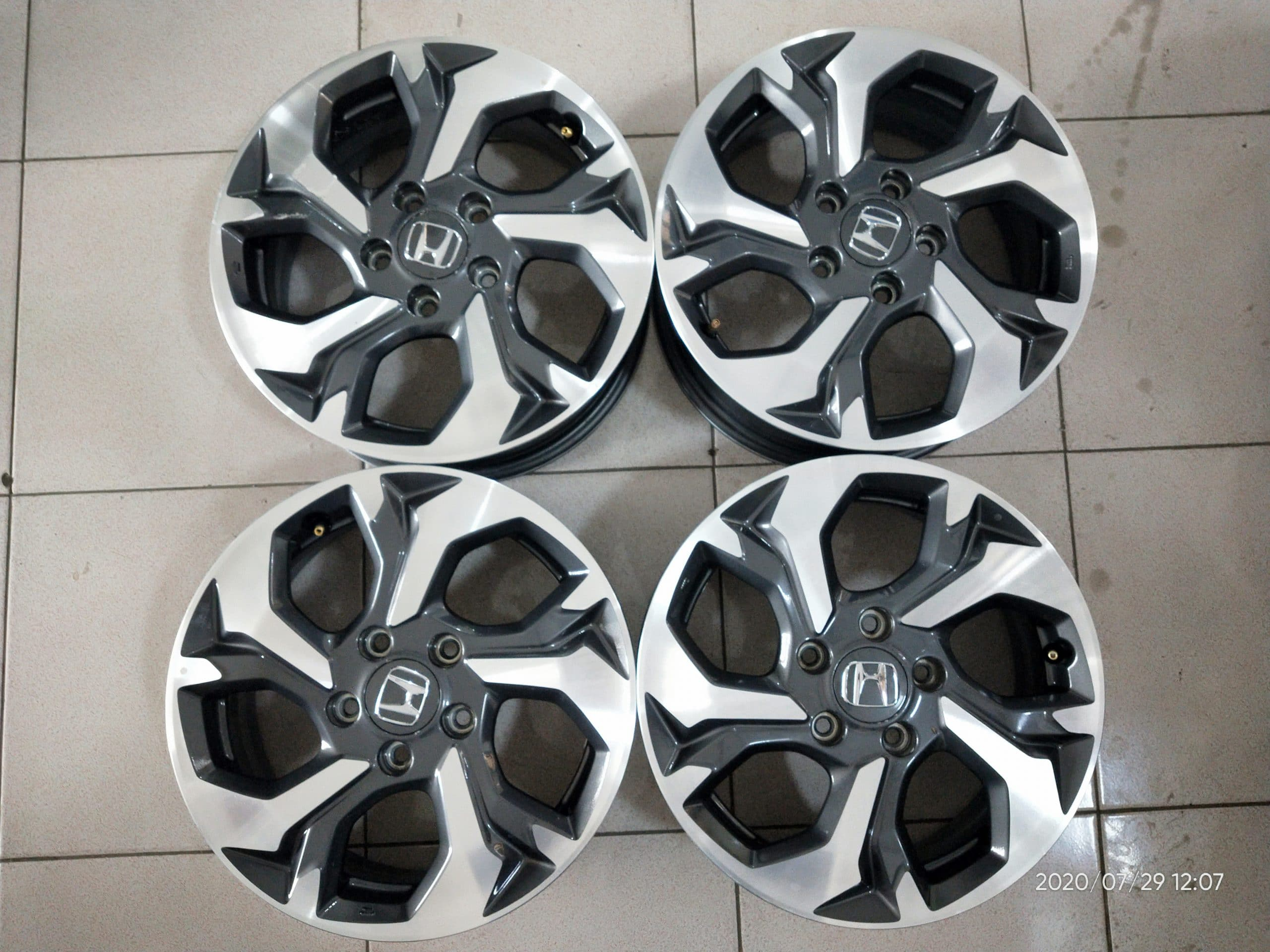 VELG ORIGINAL HONDA BRV RING16X6,5 HOLE 5X114,3 ET50 GREY POLISH