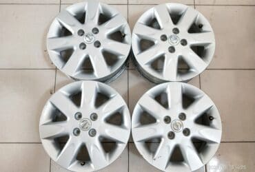 VELG SECOND OEM NISSAN MARCH R15X5,5 H4X100 ET45 SILVER