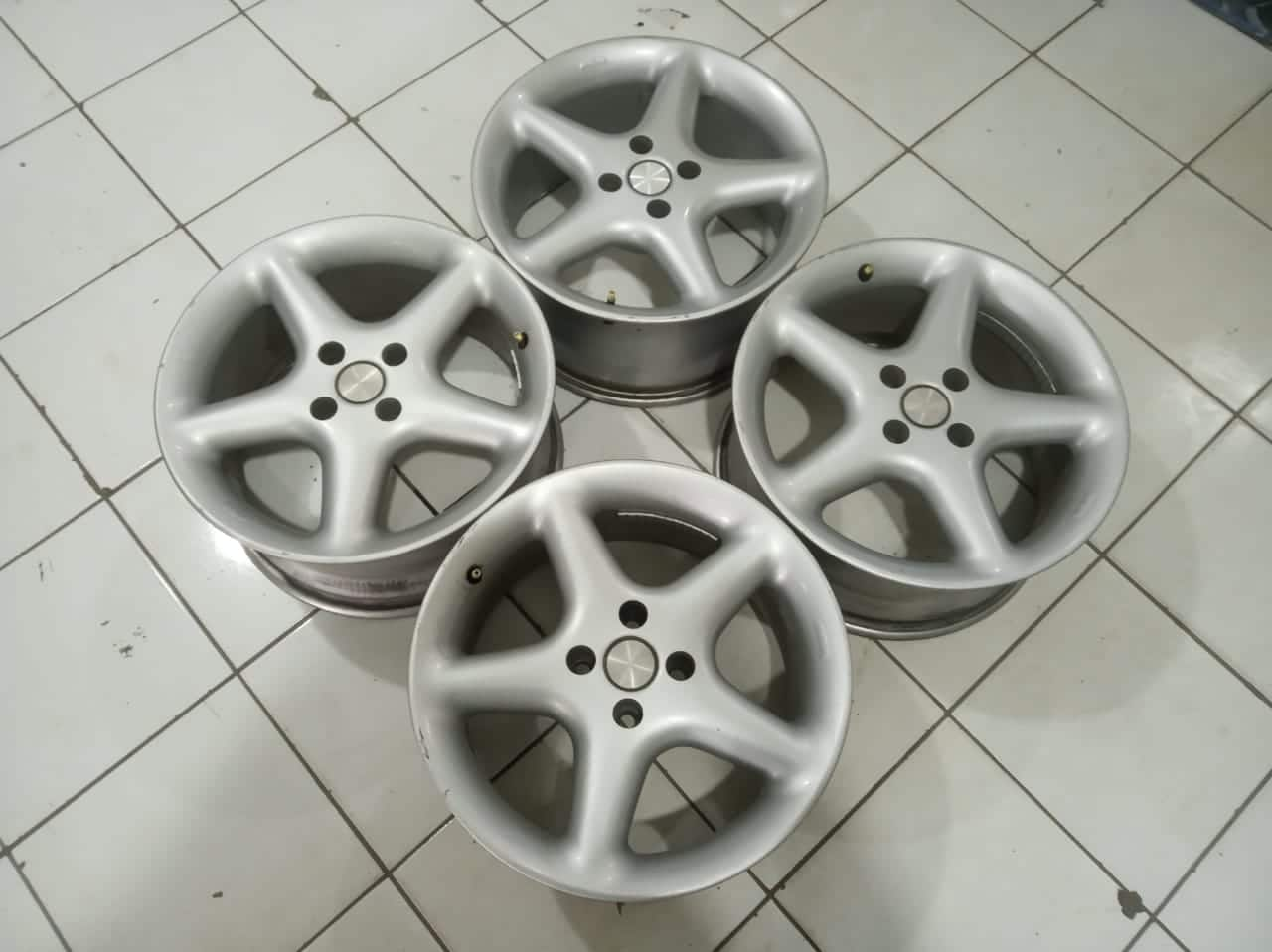 Velg Racing Mobil Antera Ring 16×7,5 Pcd 4×100 et35