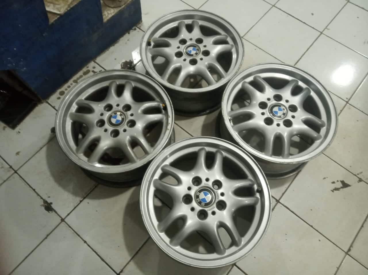 Velg mobil racing bmw ring 16 Hole 5×120 et35 silver