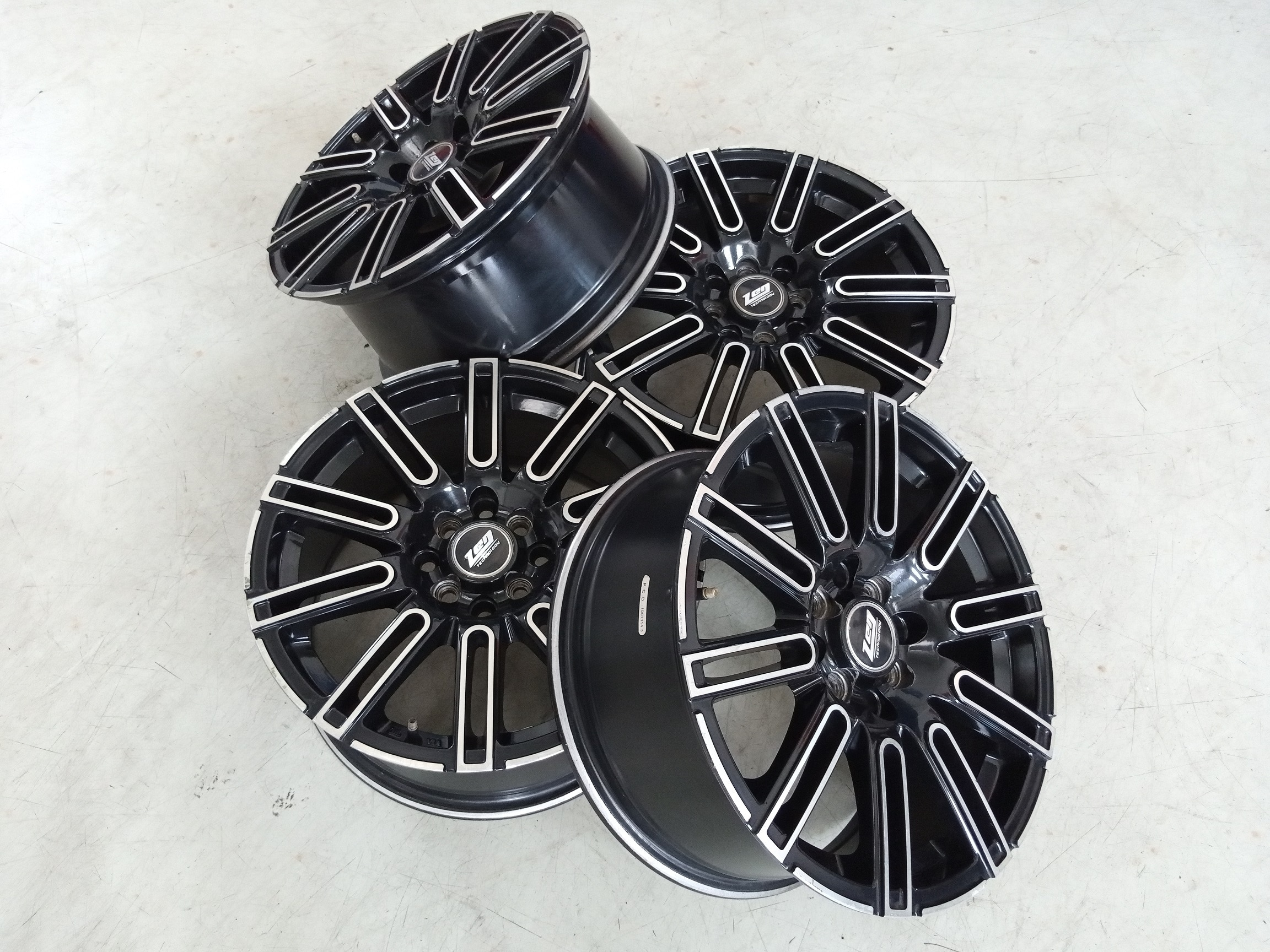Velg Racing Seken Type ZEN Ring 16 Cocok ,Avanza ,Livina ,Jazz Rs ,Sigra