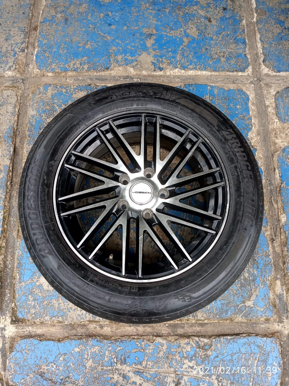 tersedia velg bekas mobil ring 16×7 pcd 5×114 seken murah plus ban