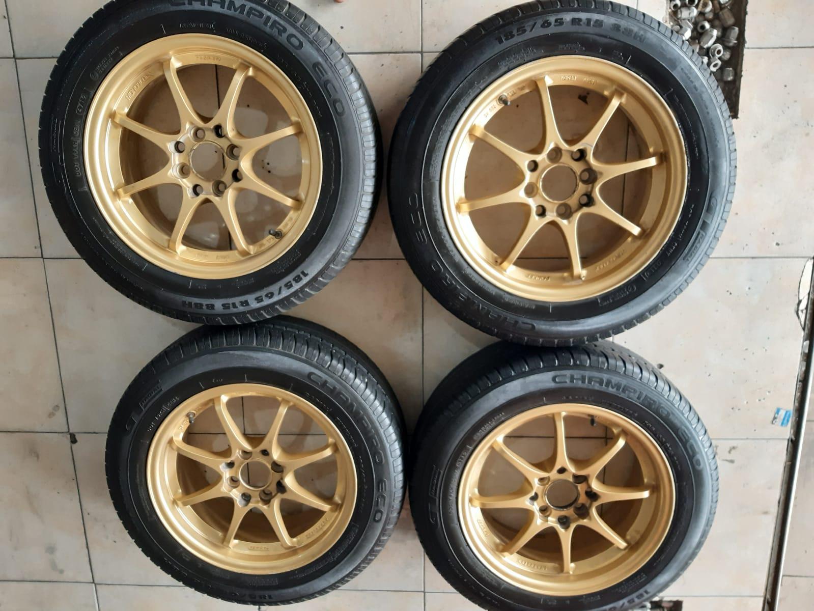 CE28 R15X6,5 8X100/114,3 ET40 GOLD + GT RADIAL 185 65 R15
