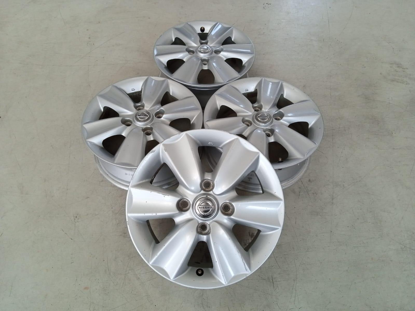 Velg Mobil Bekas Oem Nissan Livina Ring 15