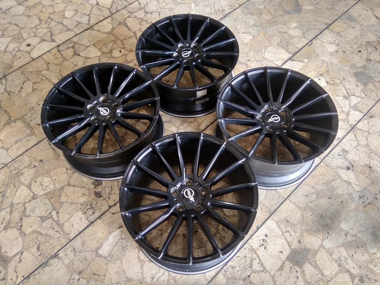 Velg Mobil Copotan Gio R18 Lebar 8/9 ET42/40 Lubang Baut pcd 5×114